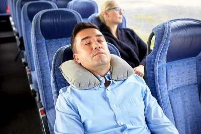 mejor almohada de viaje